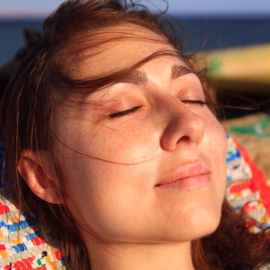 Выражение умиротворения – прием расслабления лица